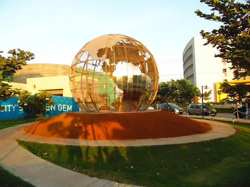 Palava's Globe